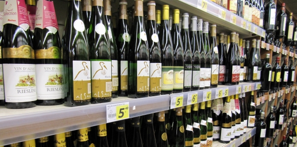 alsatian_wines_in_a_supermarket.jpg